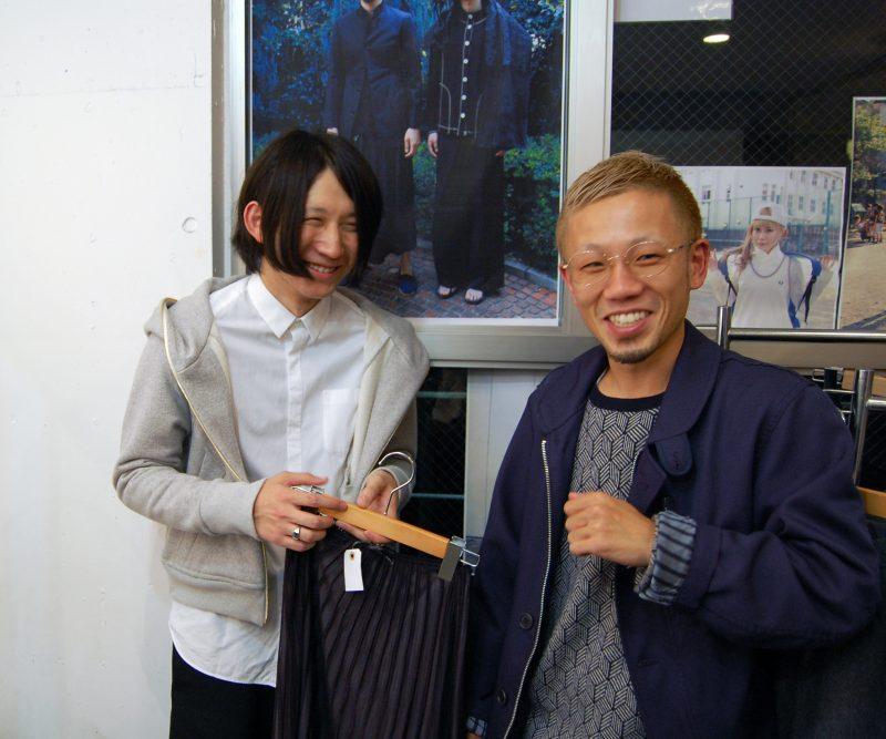 岩切くん(左)と松本店長(右)